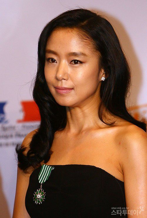 Jeon Do-yeon (전도연) - Picture @ HanCinema :: The Korean Movie and Drama Database
