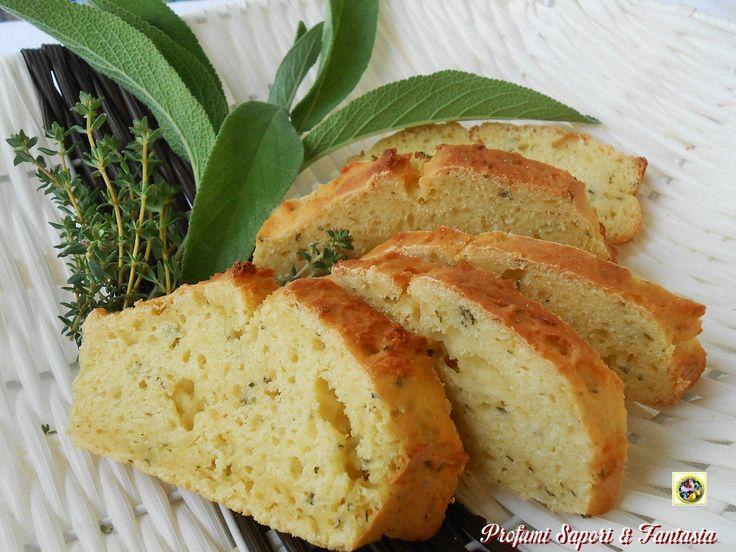 Il pane di semola allo yogurt al profumo di erbe è facile e veloce da preparare. Non servono lunghi tempi di lievitazione, avviene direttamente in cottura.