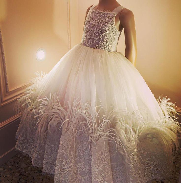 """""""SnowFlake"""" dress from #couture collection #bibiona 💠💠💠 Время бала и исполнения желаний!  Невесомое нежное платье из органзы, отделанное кордовым кружевом и страусиными перьями для маленьких леди.    #babycouture #princessgawn"""