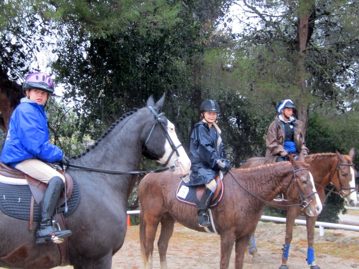 Jillian, Kayla and Abby in the rain