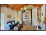 Stonehouse Holiday Rentals: An Ideal Place To Romance For Newly Married Couples !