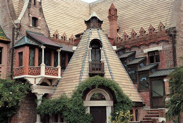Casina delle Civette - detail of the facade