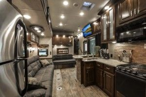 Heartland RV Gateway 3750PT luxury fifth-wheel