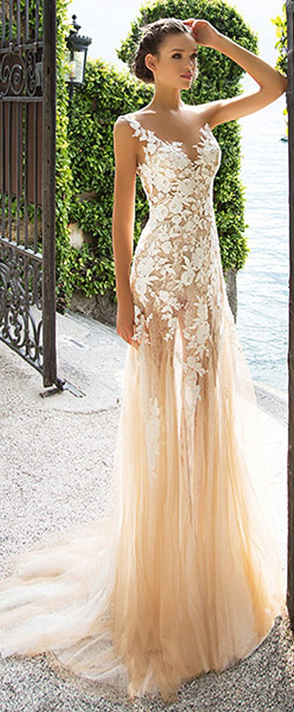 Marvelous Tulle & Lace Bateau Neckline See-through Sheath Wedding Dresses With Lace Appliques