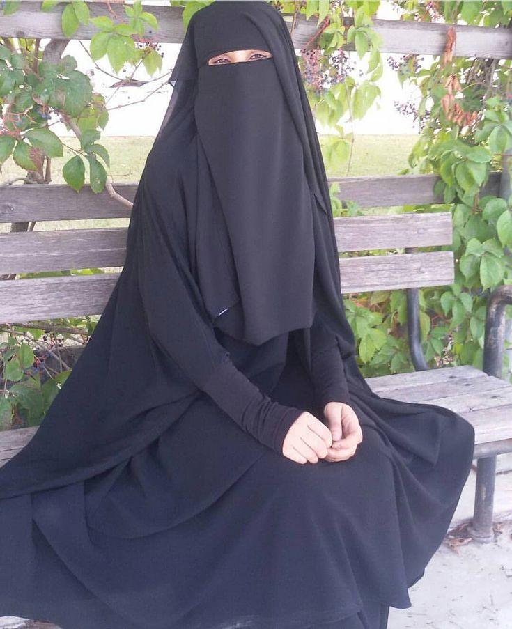"477 Likes, 16 Comments - Karima كريمة (@kariimaa.m) on Instagram: ""Bon weekend #hijab #jilbab #hijabstyle #muslim #islam #achikato #alwared #maroc #follow…"""