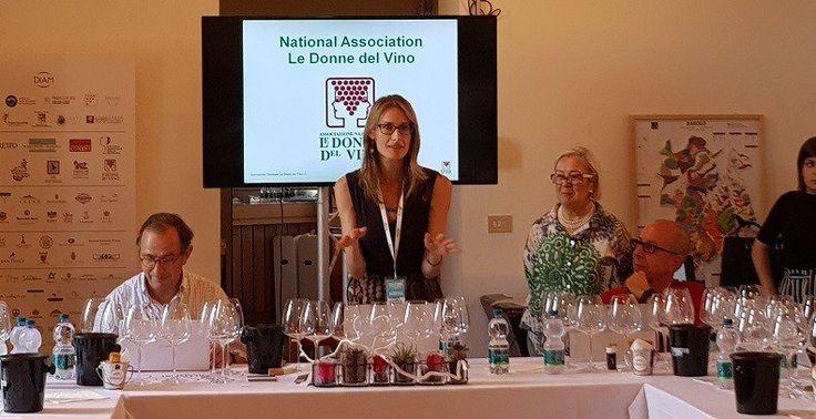"""""""I vitigni autoctoni rari patrimonio eccezionale"""" lo dicono le produttrici al festival Collisioni di Barolo durante le degustazioni curate da Ian D'Agata."""
