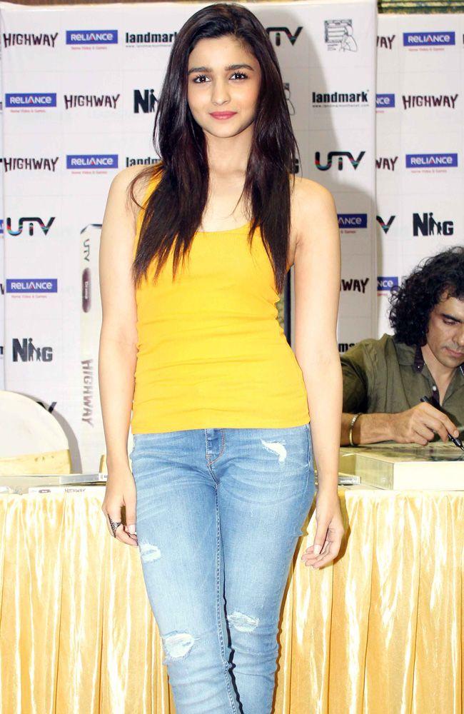 Alia Bhatt at the DVD launch of 'Highway'
