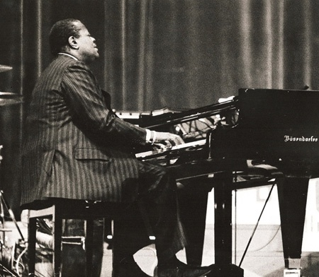 The great Canadian pianist, Oscar Peterson (1925 - 2007)