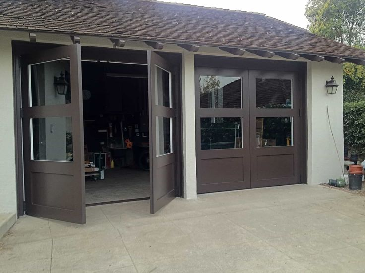GARAGE DOORS A garage - like the kitchen, bathroom or living room is essential to a house today, of any make or style. Your wood garage door must perform year round for you to use it every day. For your everyday use, Tungsten Royce will build your new custom wood garage doors to exact dimensions. We stain andfinishall of our doors before they leave our factory. Our construction and high manufacturing standards result in the best wood garage doors on the market. Read more Our custom…