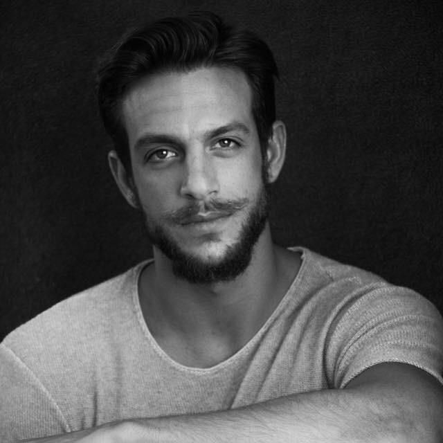 Joaquín Ferreira: Como cuando me creía hipster jaja #shooting #actor #model #actorslife #modelslife