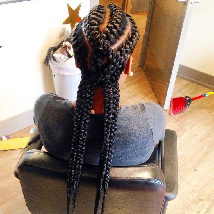 """The worlds FIRST ever """"HIGHWAY BRAIDS"""" done by me ! That name just fit these braids so well .. HIGHWAY is the first thing that came to my mind  (no I wasn't the first person to overlap some braids but I Did however originate a name for them after I SLAYED the style""""  & since my video has gained 1.6 MILLION views they are definitely trending !"""