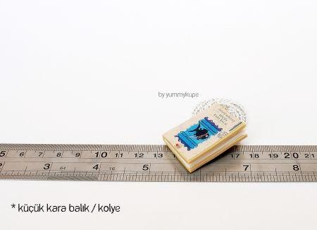 Küçük Kara Balık Kitap / Kolye  #fashion #design #miniature #food #art #miniaturefoodart #polymerclay #clay #minyatur #polimerkil #kil #nutella #tasarim #taki #sanat #moda #sokak #tutorial #yummykupe #mold #kalip #nasil #bileklik #kolye #kupe #yuzuk #aksesuar #kadin #ring #earring #accesorie #necklace #special #custom #books #thelittleblackfish #kucukkarabalik #samedbehrengi
