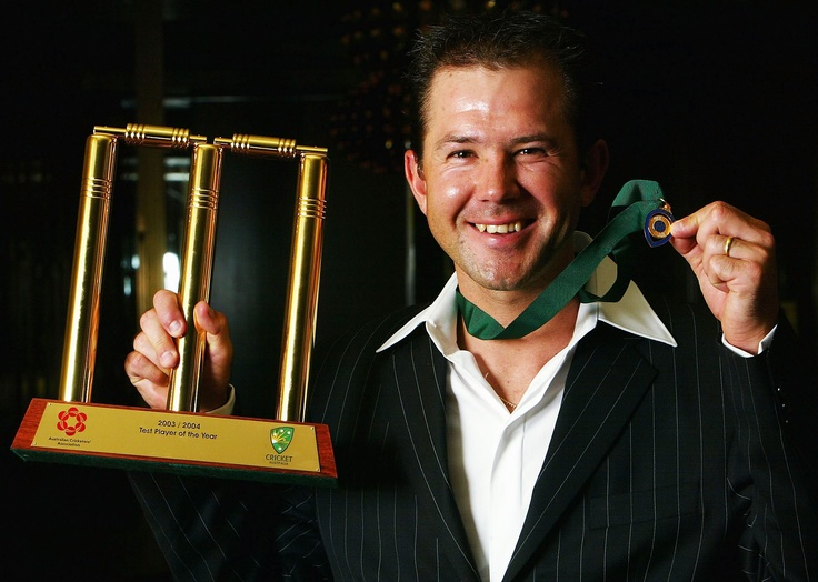 Ponting shows off his Allan Border Medal