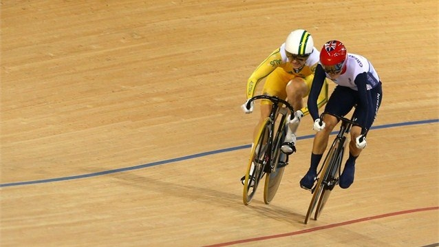 Anna Meares (L) of Australia and Victoria Pendleton of Great Britain compete in Race 1 of the Women's Sprint Track Cycling Final
