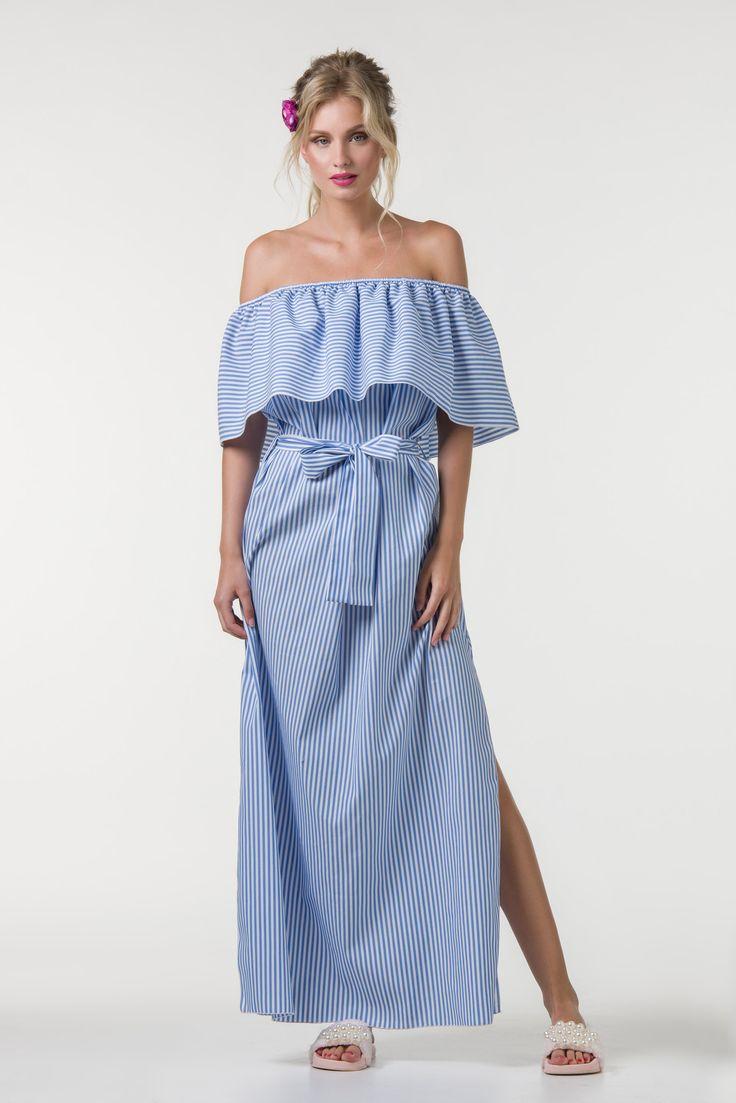 Φόρεμα μάξι ριγέ ποπλίνα σε off shoulder γραμμή με βολάν& σκίσιμο στο πλάι.