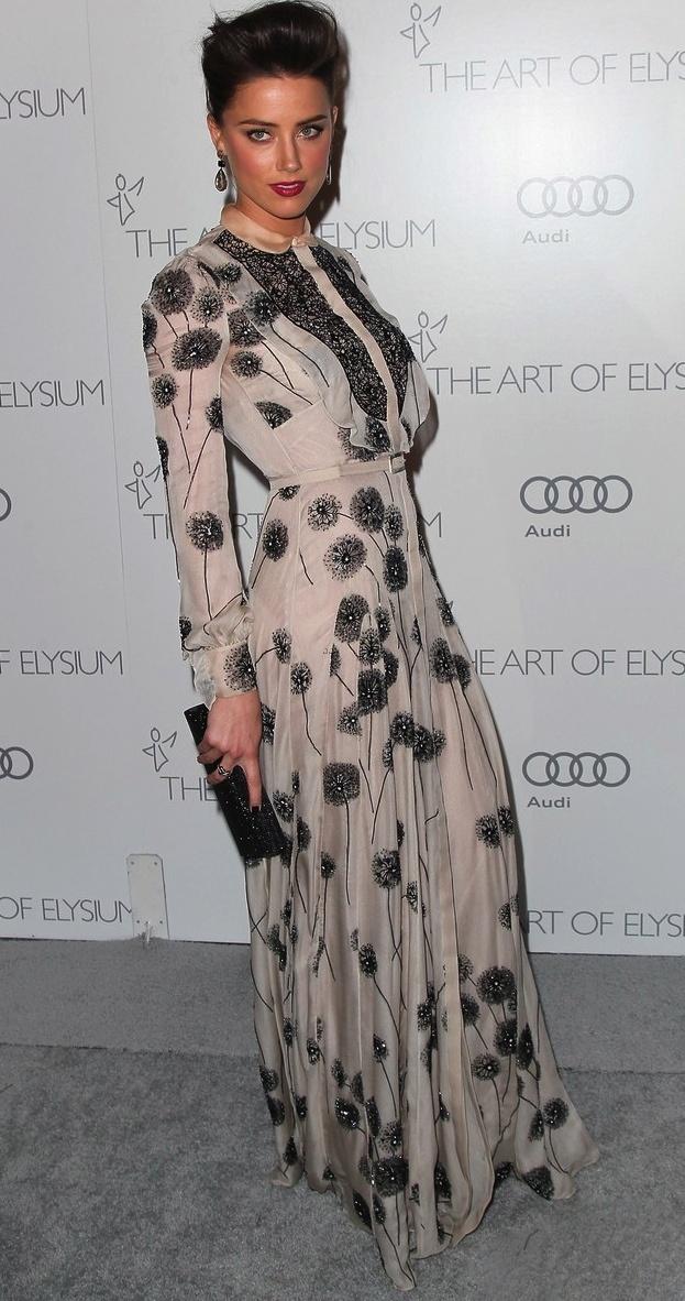 Amber Heard #ModestHollywood