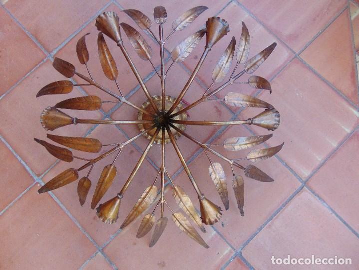 LAMPARA DE TECHO TIPO DECORACION DE HOJAS EN DORADO - Foto 1