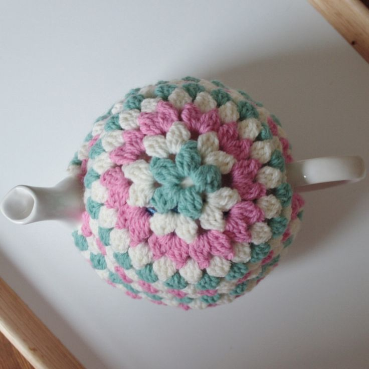 Another Sunday Girl: Crochet Tea Cosy (no pattern)