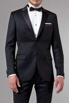 Every modern gentleman should have the Essential Black Tuxedo in his arsenal. Learn More