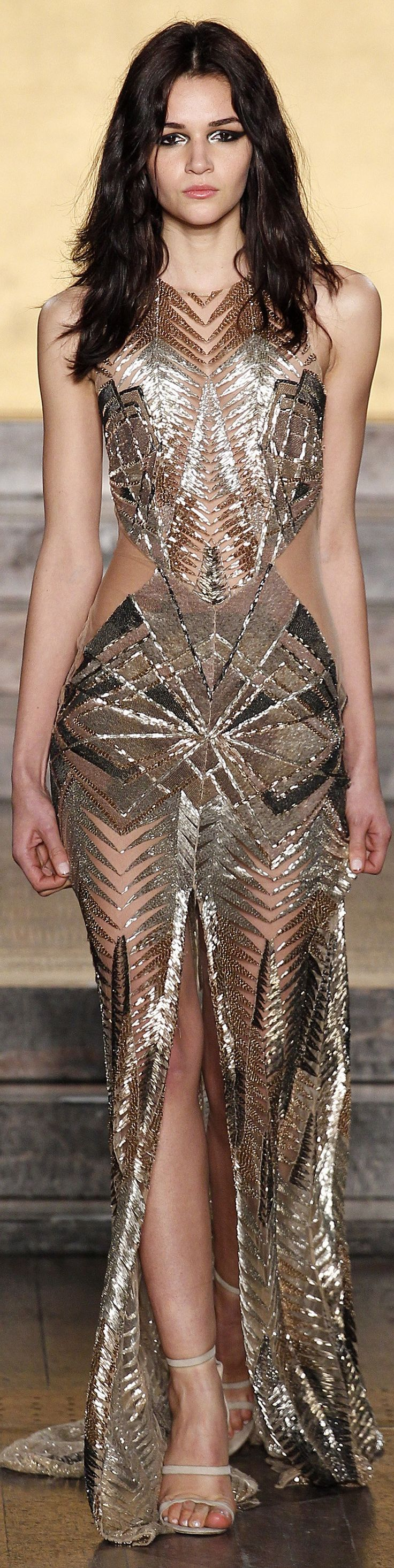 Julien Macdonald fall 2016 RTW