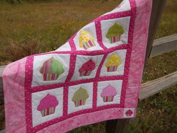 12 best Cupcakes images on Pinterest | Baby afghans, Baby blankets ... : cupcake quilt patterns - Adamdwight.com