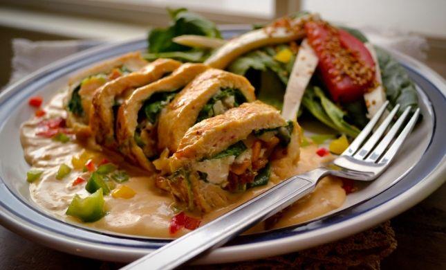 Receta de Rollos de Filete en Salsa de Chile Pasilla por Linda Brockmann