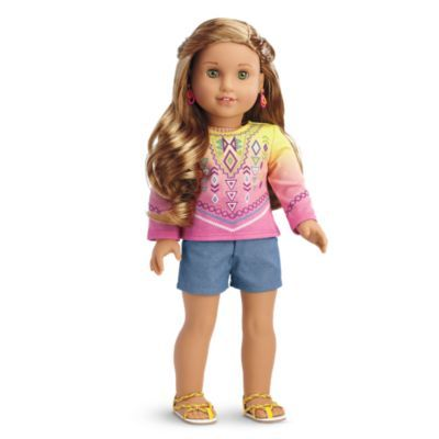 Lea's Bahia Outfit for Dolls -  Lea can't wait to show her American friends the outfit she got in Bahia! It includes:     A dip-dyed long-sleeved top     Chambray shorts     Sandals with braided straps Z