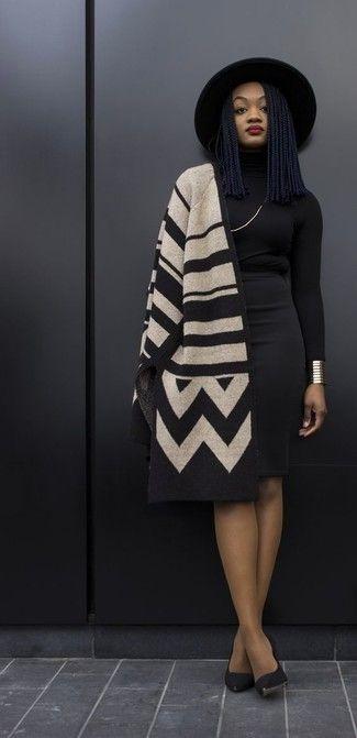 15fc1f0eb4 Look de moda  Poncho con estampado geométrico marrón claro