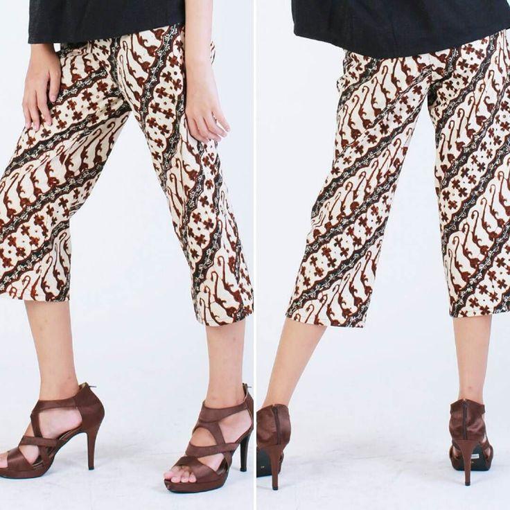 From: http://batik.larisin.com/post/143575233108/kulot-bajigur-size-s-m-rp-330000-shop-online