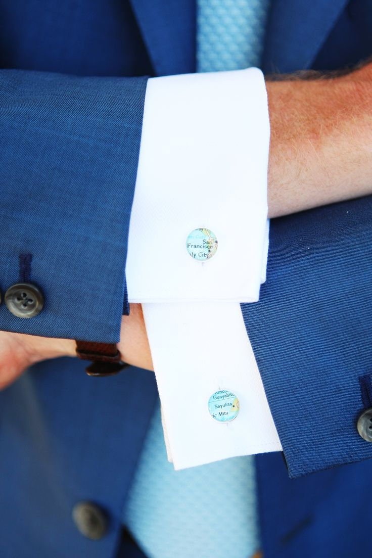 夏の結婚式に使いたい爽やかなブルーのカフス。結婚式・ウェディング・ブライダルで新郎が身に付けるカフス、おすすめのカフスまとめ。