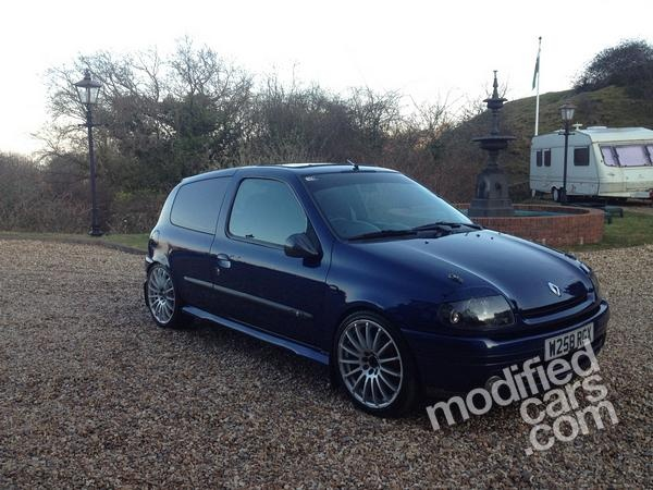 Modified Renault Clio 2000 Pictures