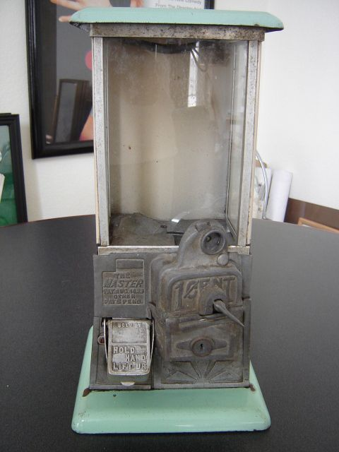 30 best images about gumball machines on pinterest old for Gumball machine fish tank