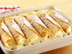 Dieses Gericht ist purer Genuss! Gebackene Vanillecreme-Crêpes | Zeit: 30 Min. | http://eatsmarter.de/rezepte/gebackene-vanillecreme-crepes