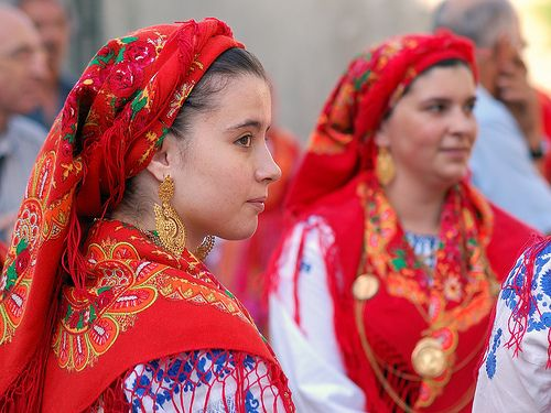 Source: Flickr / rosino - http://www.flickr.com/photos/rosino/4922364383/in/set-72157623056502906 Portuguese traditions, Minho