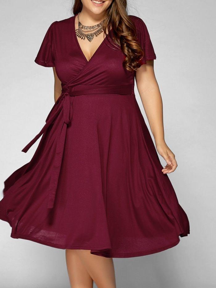 Festliche Kleider Fur Mollige Duneklrotes Kleid In A Linie Kurze Armeln Grosse Halskette Kleider Fur Mollige Kleid Plus Grossen Kleidung