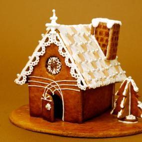 子どもの頃に憧れた「おかしのおうち」。 大人になって作るのは、スパイスのきいたクッキー生地のシックなおうち。ずっと眺めていると、ヨーロッパの小さな町を訪れた気分を味わえるかも。 手間はかかりますが、作り上げる喜びの大きなレシピです。クリスマスを待つ楽しみのひとつとして、チャレンジしてみてはいかがでしょうか。