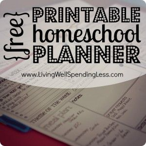 Free Printable Homeschool Planner--Awesome resource with daily, weekly, & quarterly planning pages! #homeschool #planner