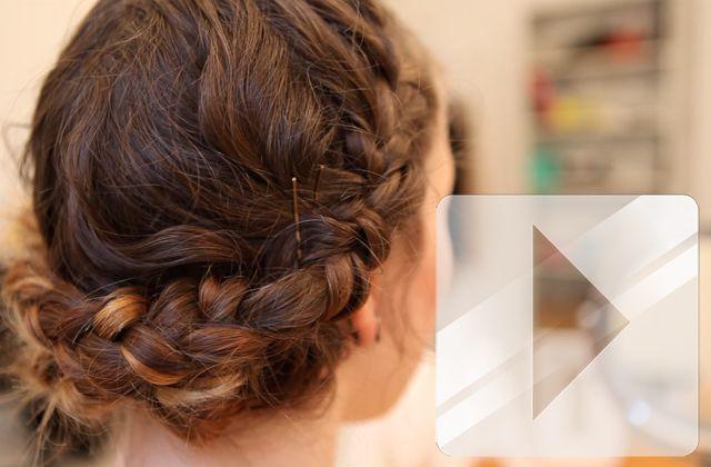 Pour ce premier tuto « chevelure de rêve », Amélie te montre comment réaliser un chignon tressé inspiré de la coiffure de Katniss Everdeen dans le premier volet d'Hunger Games ! Si vous êtes sur mobile, vous pouvezvoir cette vidéo sur YouTube Toi qui voulais des tutos coiffure, tu as été entendue ! Pour cette [...]