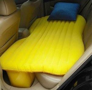 Oppblåsbar bilseng til baksetet. Perfekt når du skal sove i bilen.