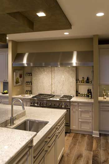 Beautiful kitchen! If I had one like that I'd bake all day!