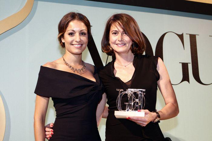Premios Vogue Joyas 2012. La actriz Hiba Abouk entregó el premio a la Alta Complicación a Reverso Repetition Minute Rideau de Jaeger Le Coultre. Lo recogió Mercedes Canos, directora de marca de la firma.