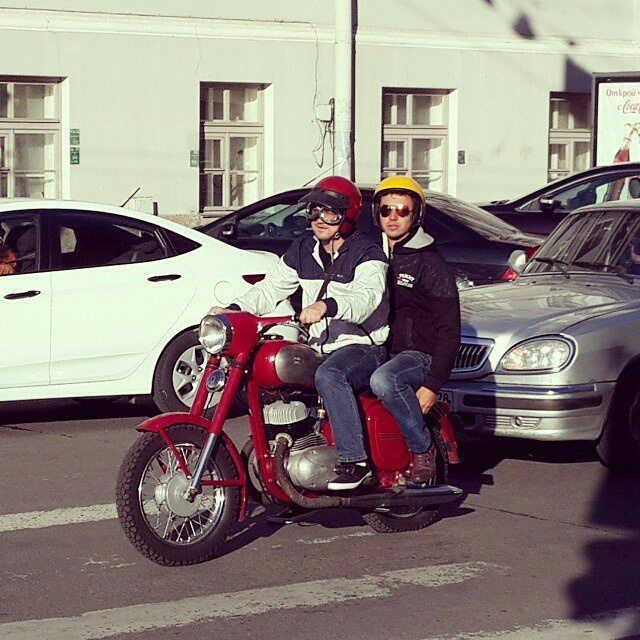 Jawa 350cc in Red  Photo courtesy of @galich_drov  More photos on - http://ift.tt/1MOOLiU (Link in Profile) | #jawa | #jawamotorcycles.com | #idealjawa| #2stroke | #chrome | #Cz | #biker | #motorcycles | #imtheindianbiker | #yezdi | #yjoci | #retro | #czech | #vintage | #vintagestyle |#india | #motorbike | #caferacer | #bikeporn | #instamotogallery | #dirt | #bike | #picoftheday | #gopro | #motocross | #motorcycleyard |