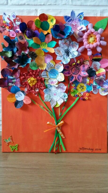 Alle kinderen een bloem laten maken voor juffendag en daar dit schilderij van gemaakt