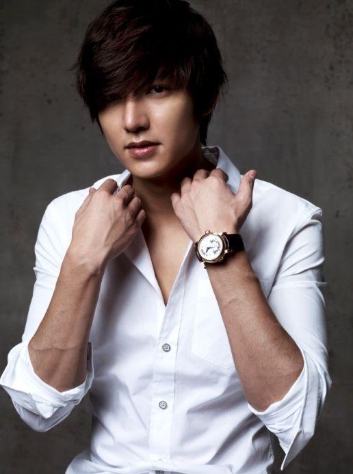 Min Ho nació en Heukseok-dong, Dongjak-gu, Seúl, Corea del Sur el 22 de junio de 1987. Su...