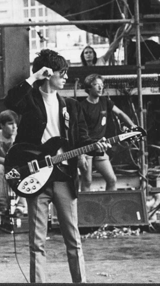 Johnny Fuckin Marr with his Rickenbacker 'So Fuckin Byrds Jingke Jangle'