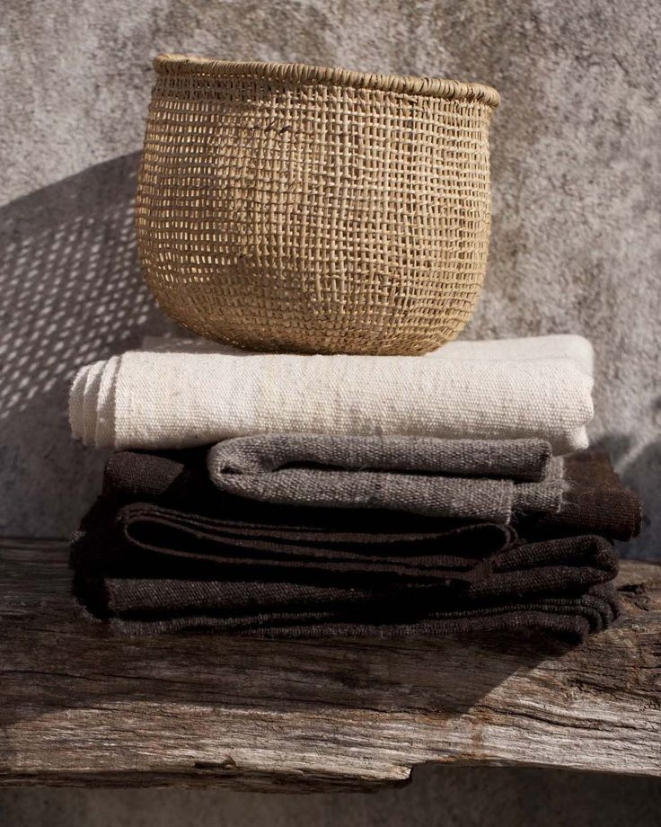 Minutes – Hand-woven basket and made-to-measure wool covers by Valentina Hoyos.
