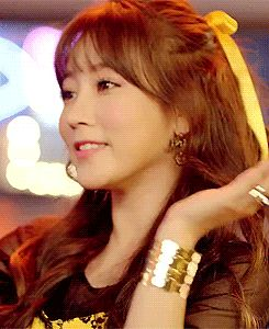 Soyeon T-ara What Do I Do MV GIF