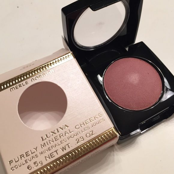 ✨NEW Merle Norman LUXIVA Coy blush ✨NEW Merle Norman LUXIVA Coy blush Merle Norman  Makeup Blush