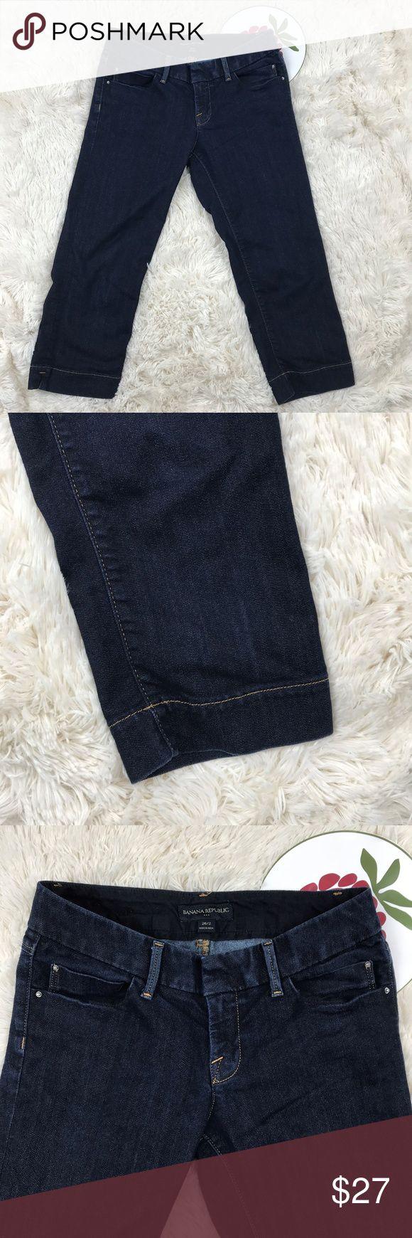 """Banana Republic Women's Capri Cropped Jeans Size 2 Banana Republic Women's Capri Cropped Jean Pants Cotton Blend Size 26 2  Measurements Length 28"""" Inseam 20"""" Rise 7.5"""" Waist 14""""  J4 Banana Republic Jeans Ankle & Cropped"""