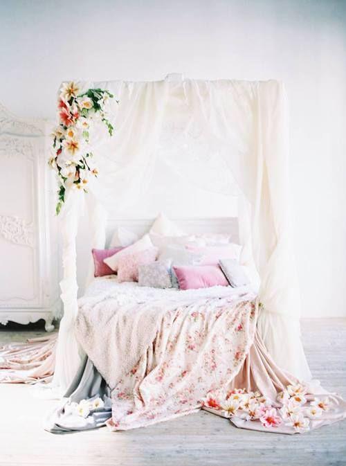 dream house inspiration - Gotische Himmelbettvorhnge